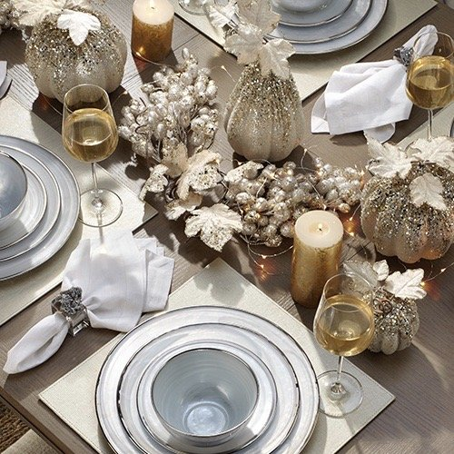 Practical Stylish Living champagne gold and silver table setting