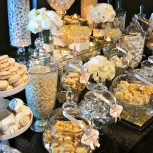 Party styling services. Candy buffet, Dessert tables